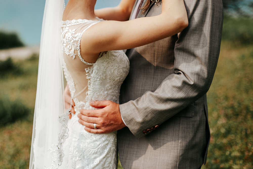 love-and-be-loved-photography-lake-louise-wedding-banff-photographers-carter-kayla-photo-image-picture-46.jpg