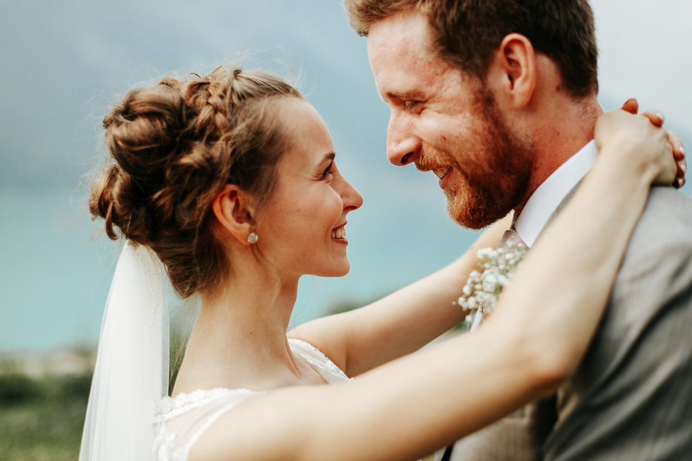 love-and-be-loved-photography-lake-louise-wedding-banff-photographers-carter-kayla-photo-image-picture-48.jpg