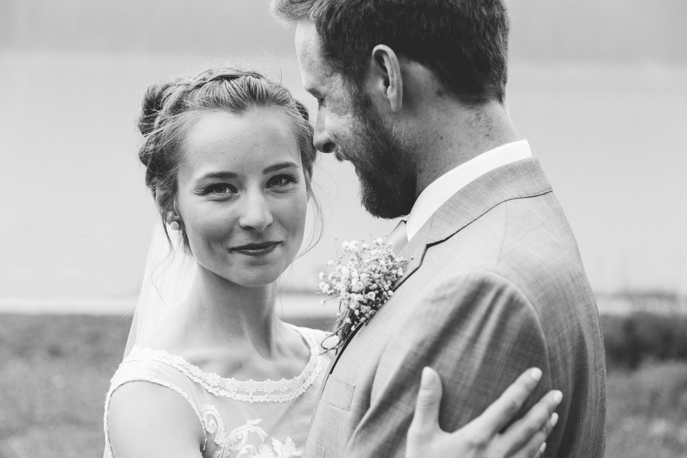 love-and-be-loved-photography-lake-louise-wedding-banff-photographers-carter-kayla-photo-image-picture-50.jpg