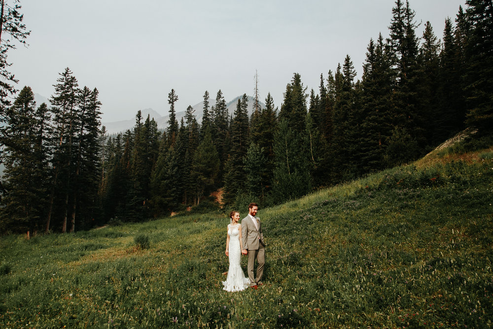 love-and-be-loved-photography-lake-louise-wedding-banff-photographers-carter-kayla-photo-image-picture-53.jpg