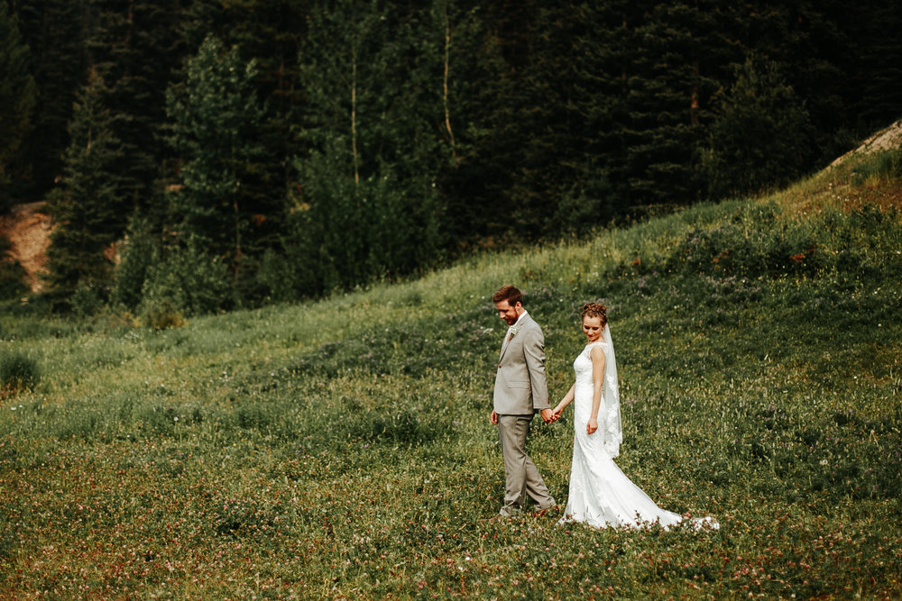love-and-be-loved-photography-lake-louise-wedding-banff-photographers-carter-kayla-photo-image-picture-60.jpg