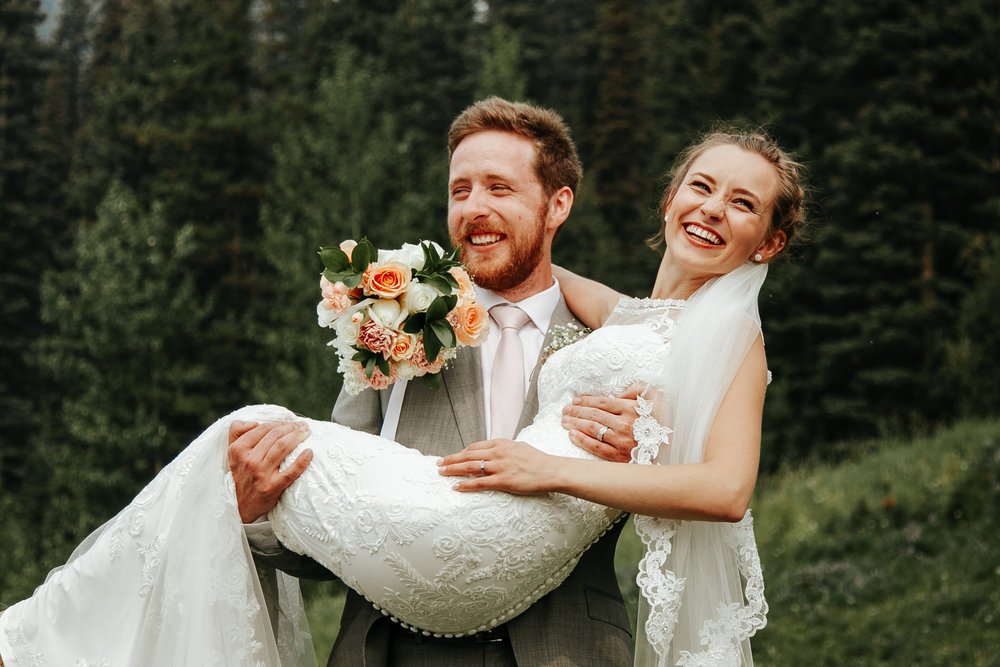 love-and-be-loved-photography-lake-louise-wedding-banff-photographers-carter-kayla-photo-image-picture-68.jpg