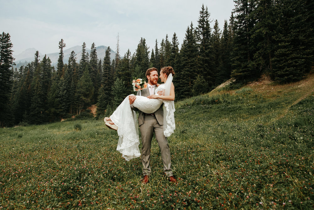 love-and-be-loved-photography-lake-louise-wedding-banff-photographers-carter-kayla-photo-image-picture-67.jpg