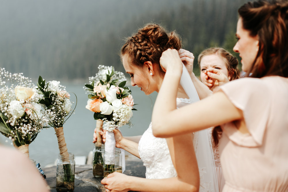 love-and-be-loved-photography-lake-louise-wedding-banff-photographers-carter-kayla-photo-image-picture-94.jpg