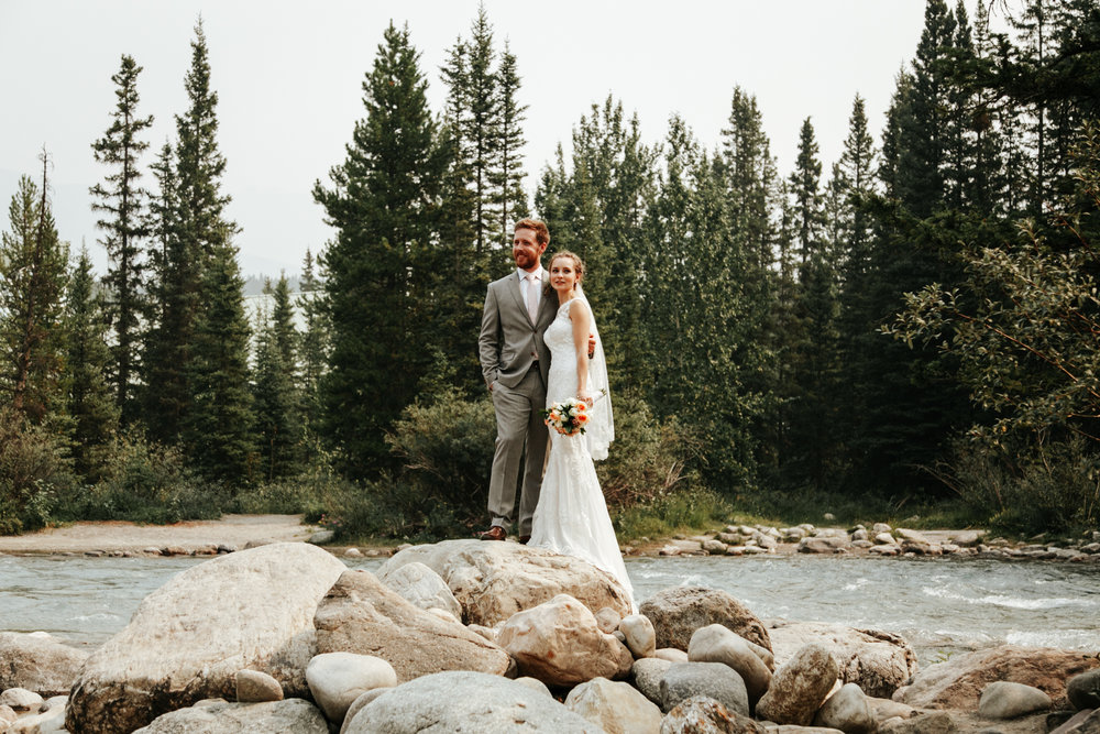 love-and-be-loved-photography-lake-louise-wedding-banff-photographers-carter-kayla-photo-image-picture-106.jpg