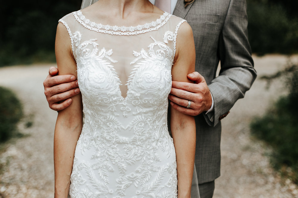 love-and-be-loved-photography-lake-louise-wedding-banff-photographers-carter-kayla-photo-image-picture-112.jpg