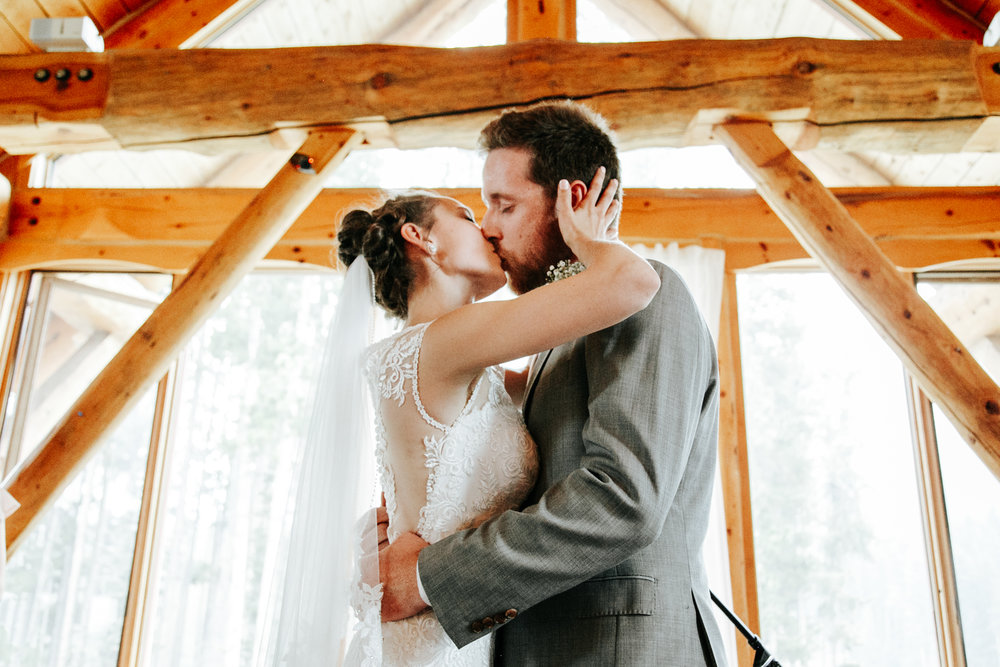 love-and-be-loved-photography-lake-louise-wedding-banff-photographers-carter-kayla-photo-image-picture-144.jpg