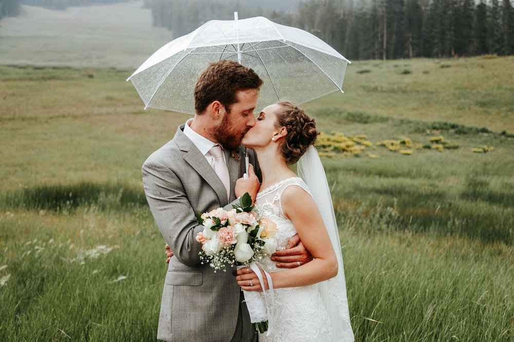 love-and-be-loved-photography-lake-louise-wedding-banff-photographers-carter-kayla-photo-image-picture-153.jpg