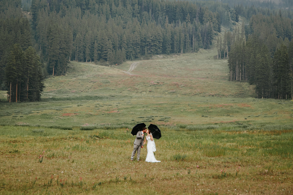 love-and-be-loved-photography-lake-louise-wedding-banff-photographers-carter-kayla-photo-image-picture-156.jpg