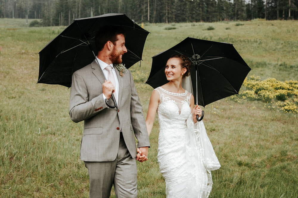 love-and-be-loved-photography-lake-louise-wedding-banff-photographers-carter-kayla-photo-image-picture-157.jpg