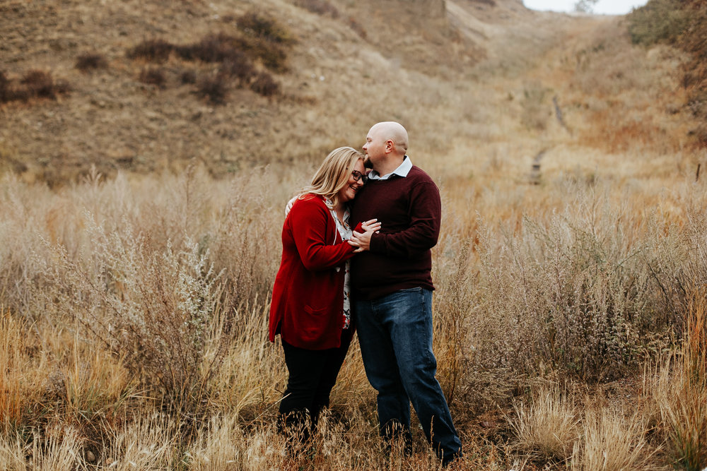 lethbridge-engagement-photographer-love-and-be-loved-photography-gordon-meagan-indian-battle-park-engaged-photo-image-picture-2.jpg