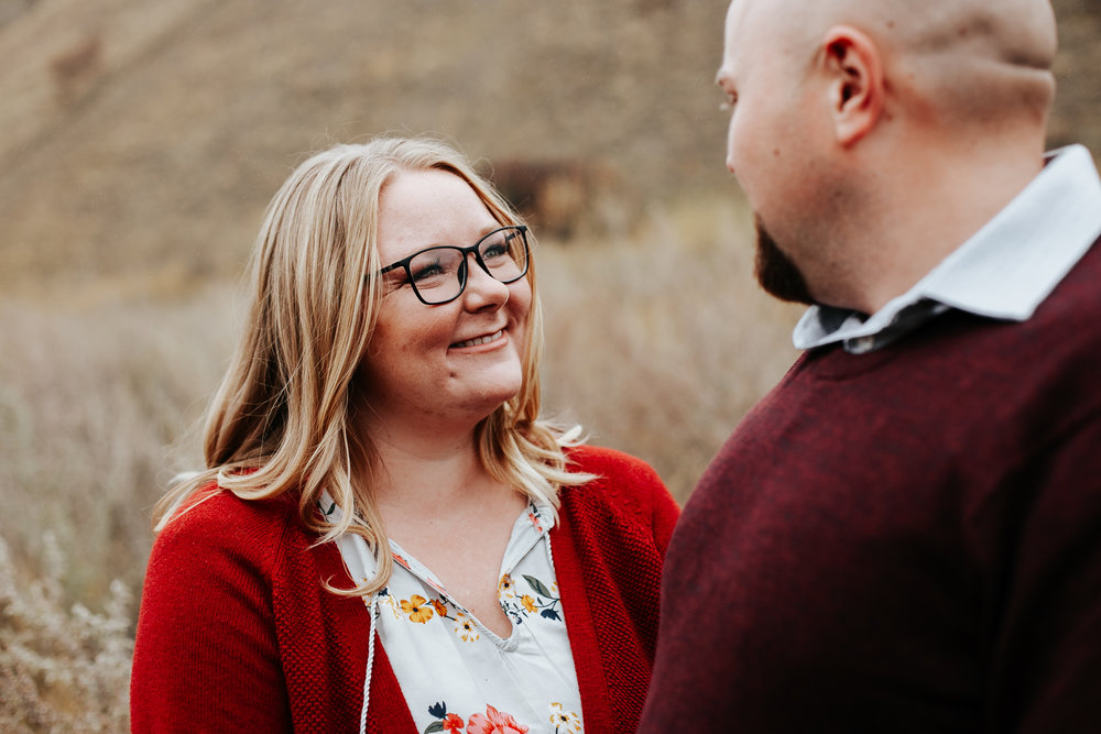 lethbridge-engagement-photographer-love-and-be-loved-photography-gordon-meagan-indian-battle-park-engaged-photo-image-picture-5.jpg