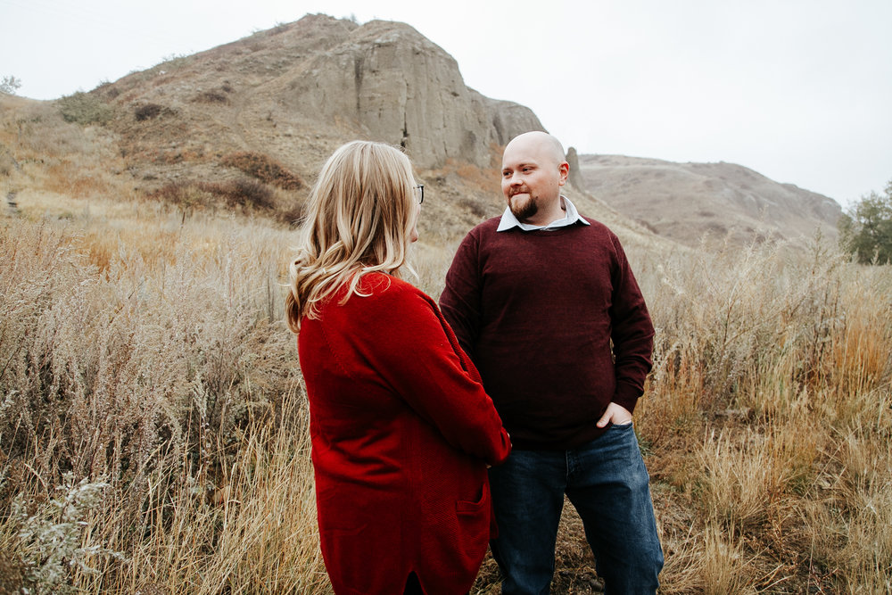 lethbridge-engagement-photographer-love-and-be-loved-photography-gordon-meagan-indian-battle-park-engaged-photo-image-picture-6.jpg