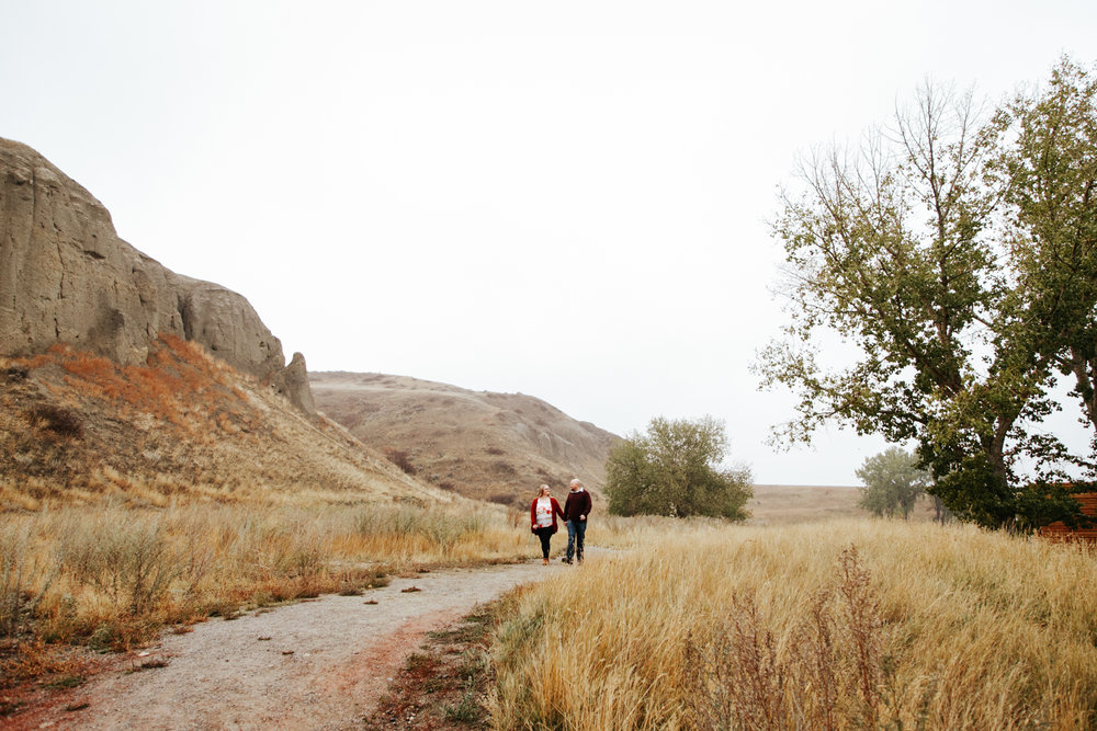 lethbridge-engagement-photographer-love-and-be-loved-photography-gordon-meagan-indian-battle-park-engaged-photo-image-picture-9.jpg