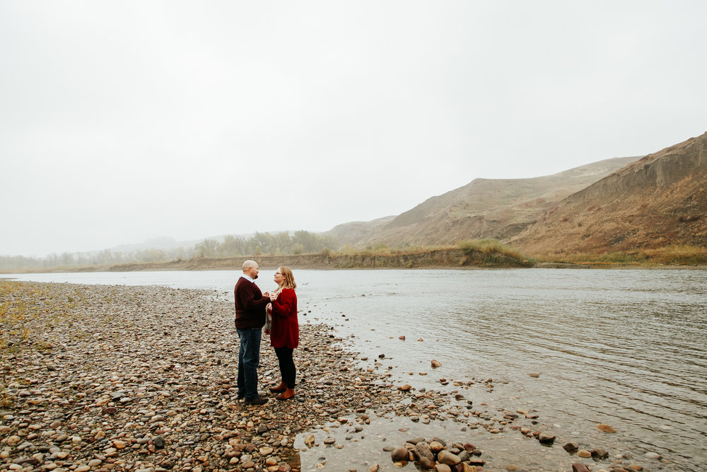 lethbridge-engagement-photographer-love-and-be-loved-photography-gordon-meagan-indian-battle-park-engaged-photo-image-picture-31.jpg