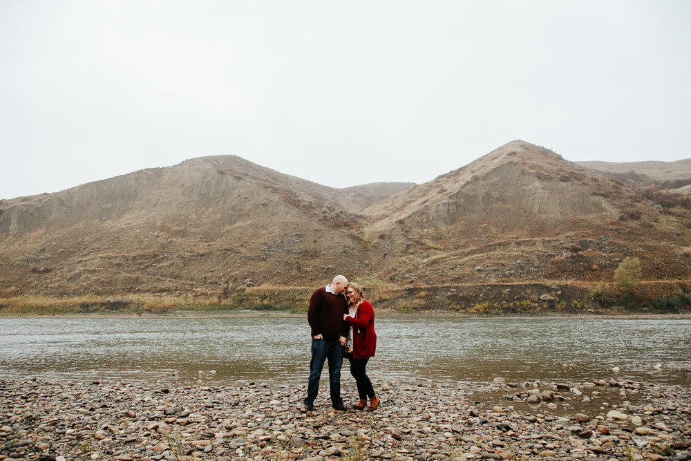 lethbridge-engagement-photographer-love-and-be-loved-photography-gordon-meagan-indian-battle-park-engaged-photo-image-picture-40.jpg