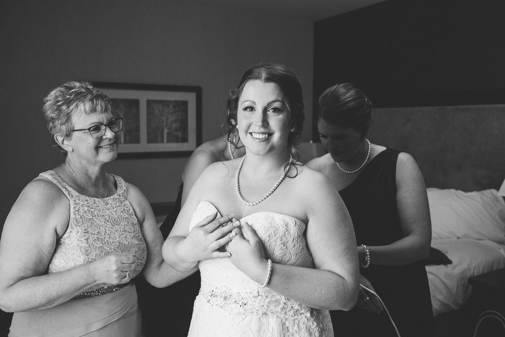 lethbridge-wedding-photographer-love-and-be-loved-photography-mike-carmel-coast-hotel-image-picture-photo-15.jpg