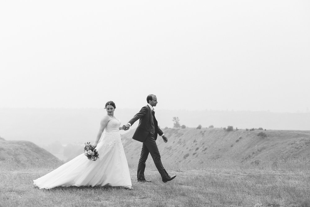 lethbridge-wedding-photographer-love-and-be-loved-photography-mike-carmel-coast-hotel-image-picture-photo-108.jpg