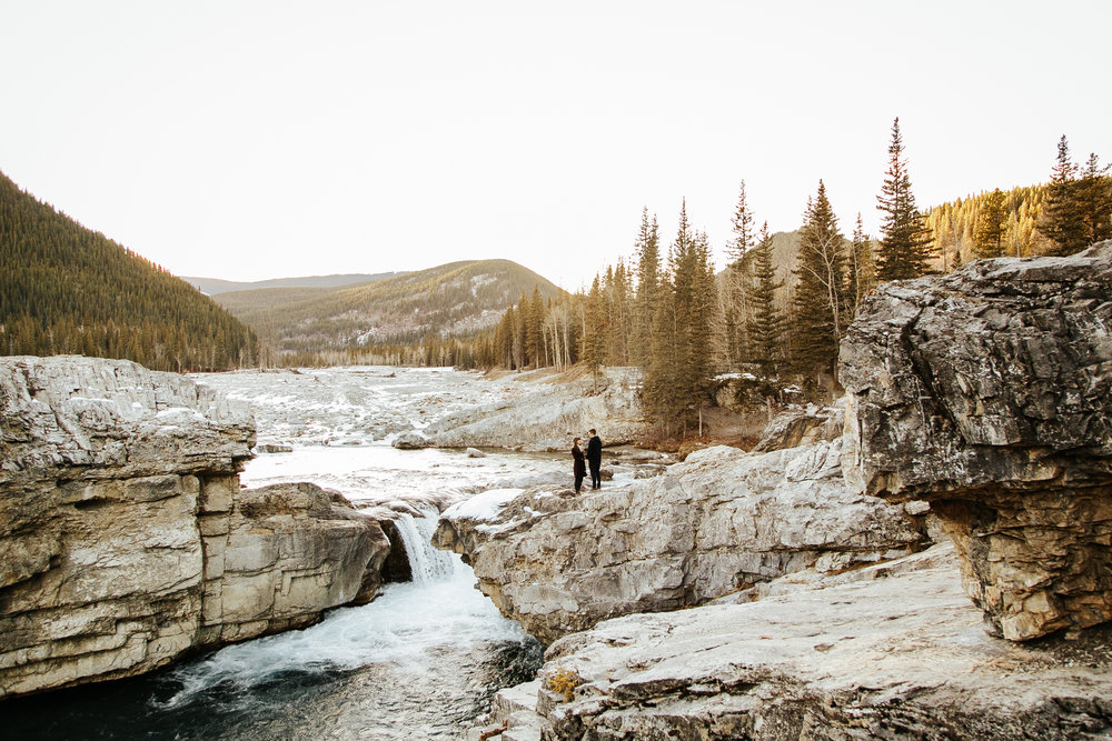 elbow-falls-calgary-photographer-banff-love-and-be-loved-photography-alissia-craig-engagement-image-photo-picture-40.jpg