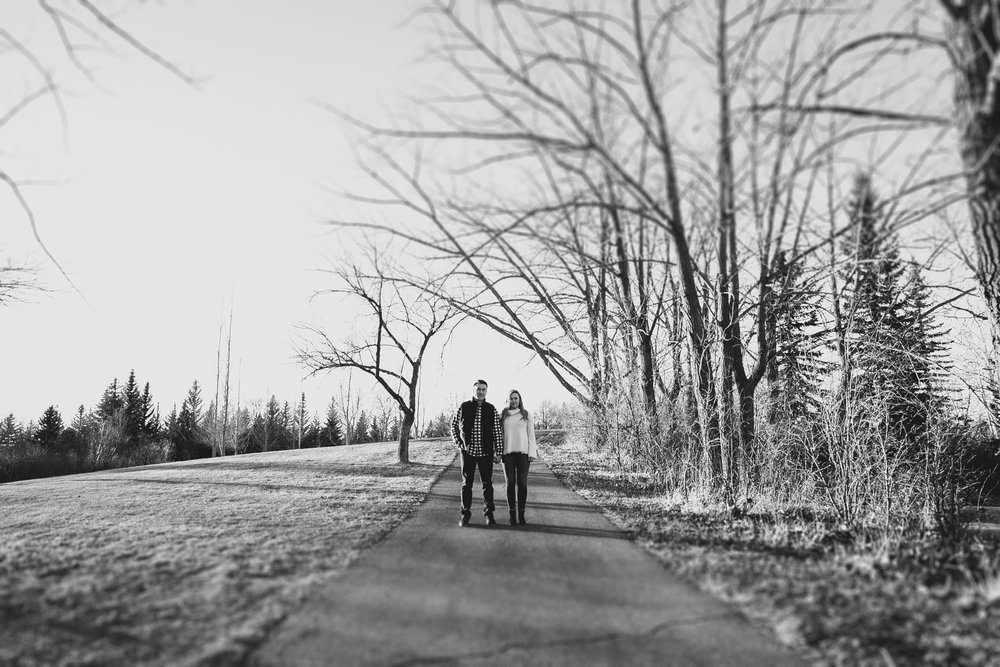 lethbridge-photographer-love-and-be-loved-photography-jared-carly-engagement-22.jpg