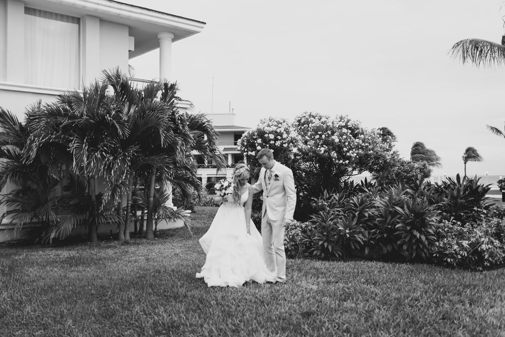 love-and-be-loved-photography-destination-wedding-photographer-cancun-mexico-jessica-jon-image-picture-photo-112.jpg