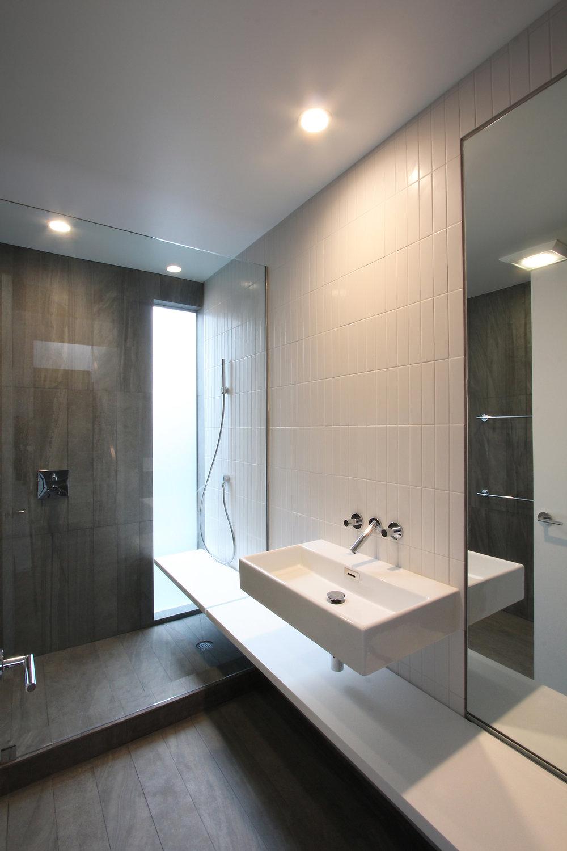 tak-guest-bath.jpg