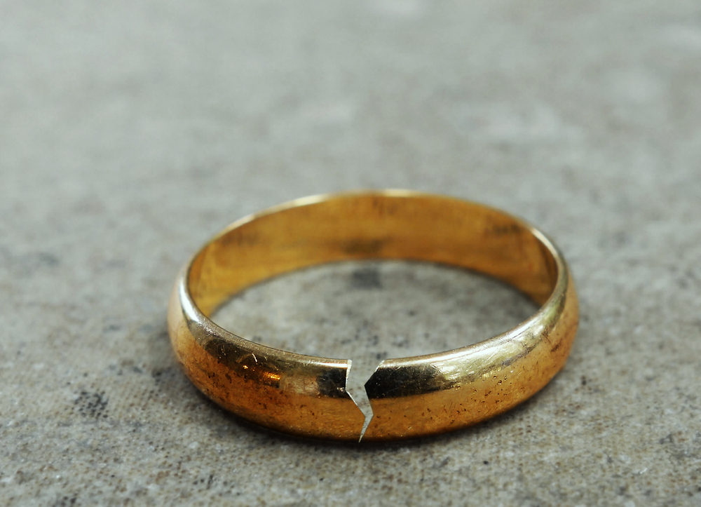 Cracked Ring.jpg