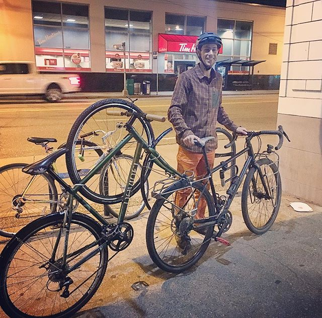 "I'd be lying if I said I wasn't a little bit inspired by @clint.independent on this bike haul! He's always dragging bikes around the city 😉🤟 Here we have a full size bike carrying another full size bike; trailing bike's fork attached to the lead bike's rear rack.  Burnaby- Vancouver  Why? When your best friend from @royalcanoe is in town and you want to make the most of it, you just find a way to ride bikes and hang 😋👍 P.S. you should check out their song ""Bicycle"" 🎼🚲 #carryshitolympics #bikesonbikes #bikehaul #bikelogic #bikesolutions #bikehack #bikehacks"