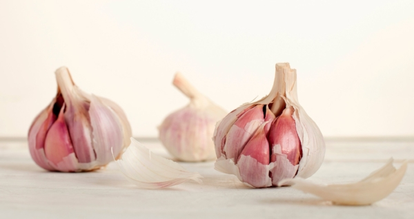 In case you're wondering; I now know that there are several cloves in one head of garlic.