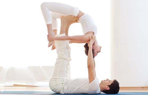 Acro-Yoga-wheel-pose.jpg