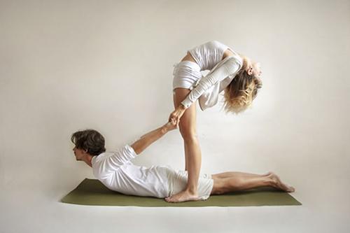 Acro-Yoga-cobra-back-bend.jpg