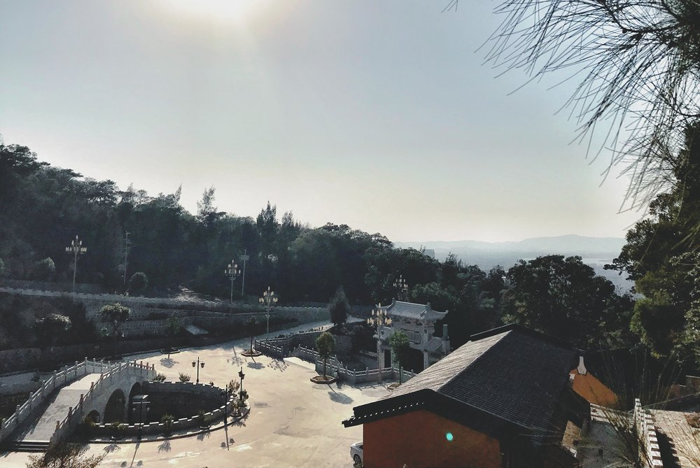china qingyunyan scenic spot 1.JPG