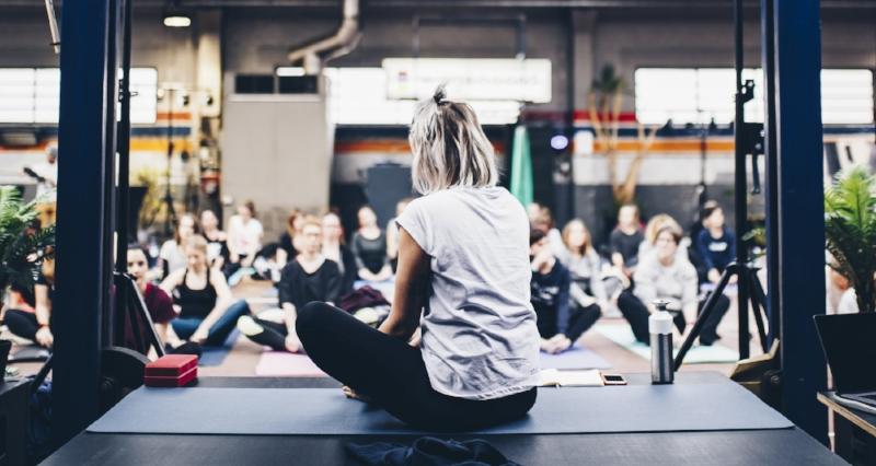 yoga-class-hk