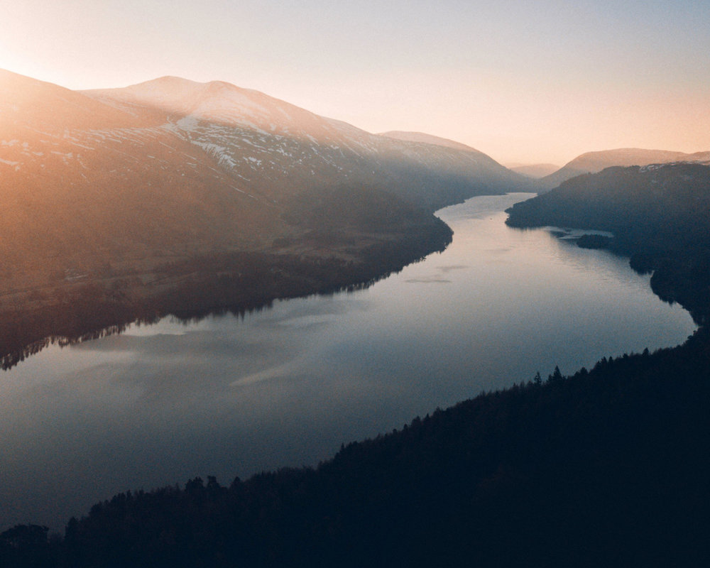 奧修曾以河流作比喻,我們的心就如一條清澈的河流,河流變得混濁是因為我們的思緒,源於頭腦的一切念頭。 -