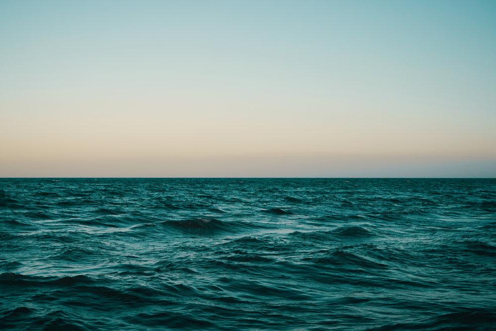 每天的任務可以完全淹沒品嚐快樂的時間 -
