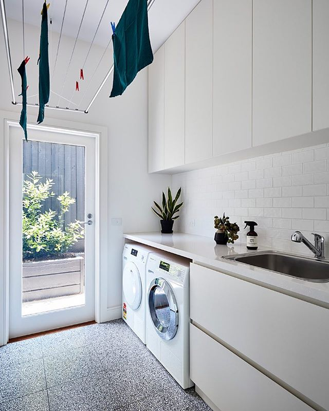 Light and bright. Our clients love this setup with air dryer from @lifestyleclotheslines  _______________________________________ 📷 by @rhiannonslatter 🛠 by @modhaus_melbourne