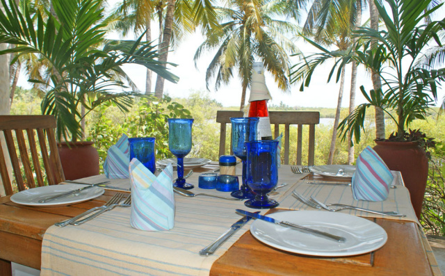 PLACES TO EAT - There is a large choice of restaurant, bars in Watamu - the Pilipan offers Asian-fusion, and the Italian influence in Mpango is clear in the thin pizzas.  The Ice creams at Anna and Andreas are something else and everywhere there are opportunities to sample fresh seafood.