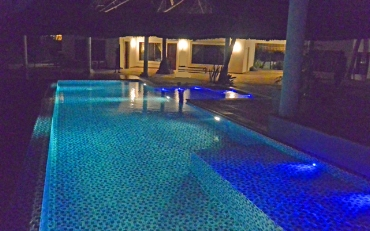 Poolhouse-night.jpg