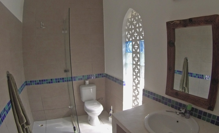 BAK-bathroom.jpg