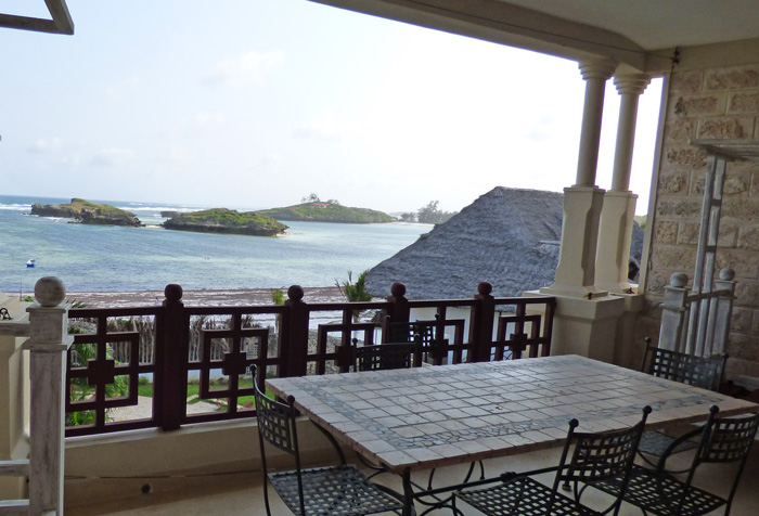 NEW2ND FLOOR ONE BEDROOM APARTMENT OVER LOOKING BLUE BAY FOR SALE - (REF: BBPA13)