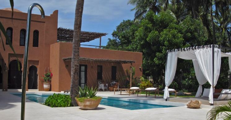 Dar Meethi - house and pool.jpg