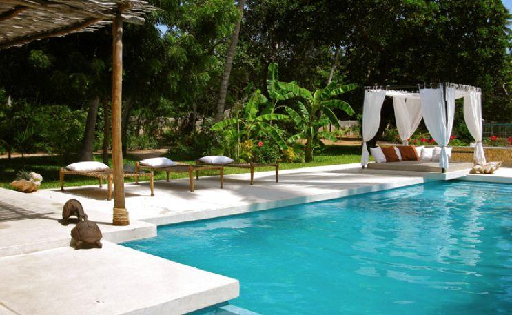 Dar Meethi - pool.jpg