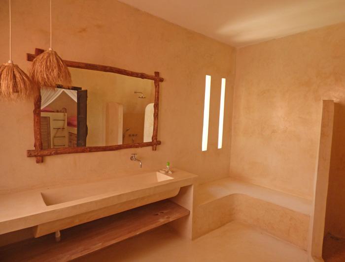 DM-bathroom.jpg