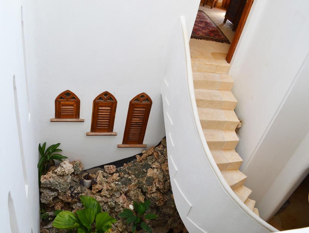 Kusini-stairs.jpg