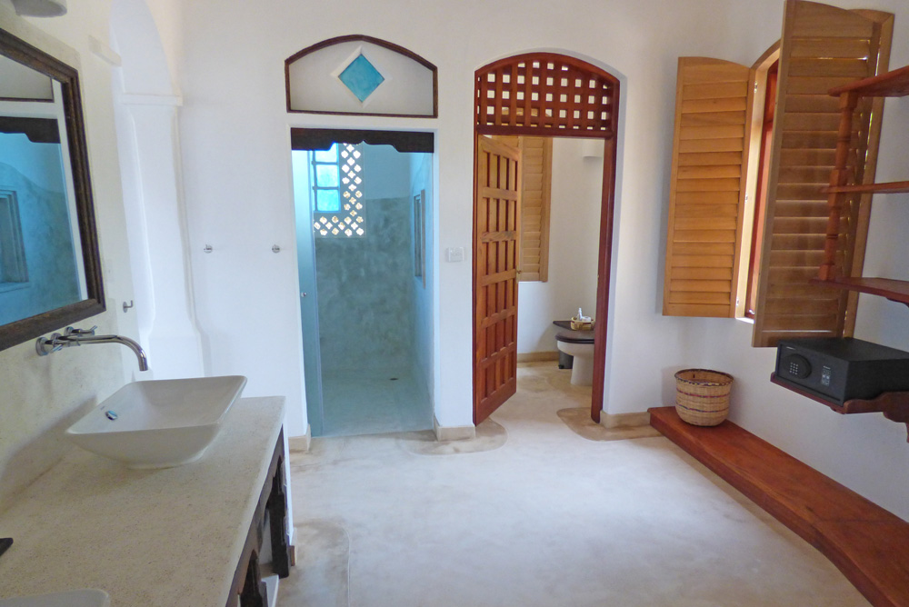 SeaH-bathroom2.jpg