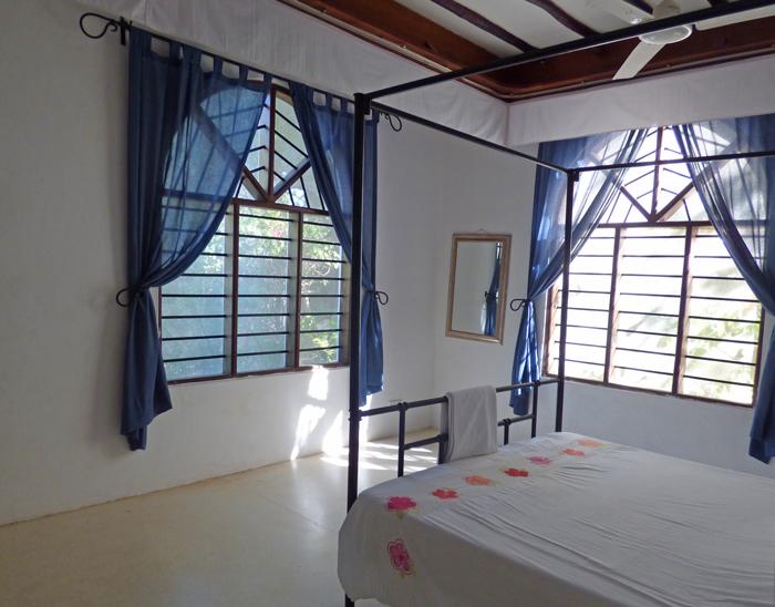 Lazy-bedroom.jpg
