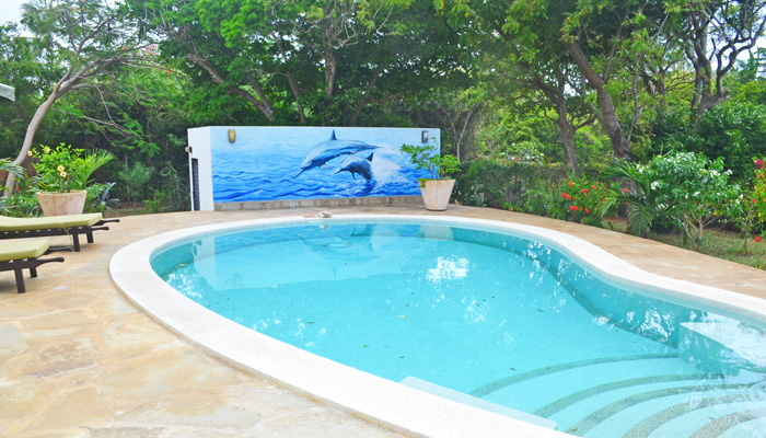 2 BEDROOM COTTAGE WITH SWIMMING POOL ON BEACH ACCESS ROAD FOR SALE - (REF: : BACW02)