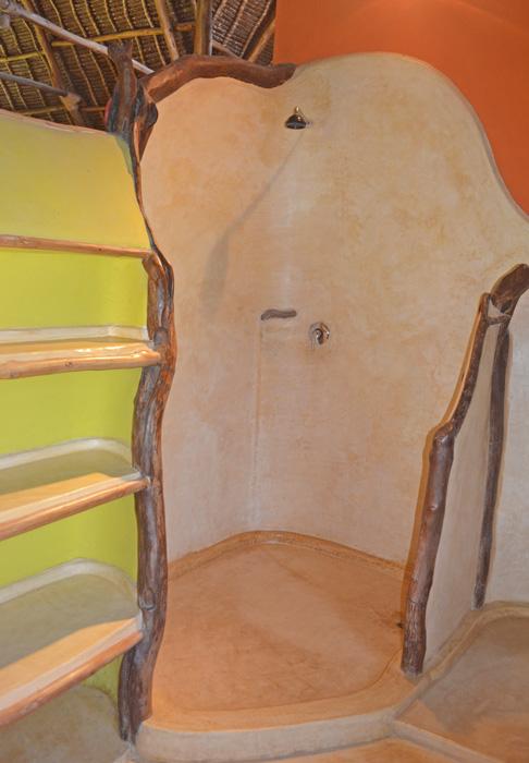 House-Upstairs-Bathroom-a.jpg