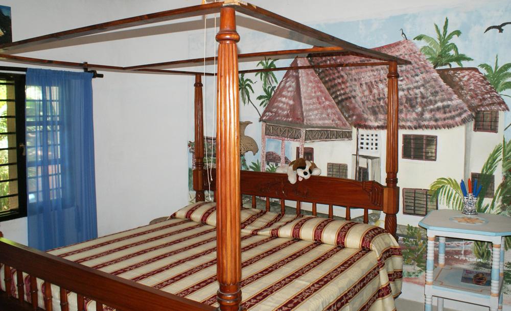 NVMB2-Bed4.jpg