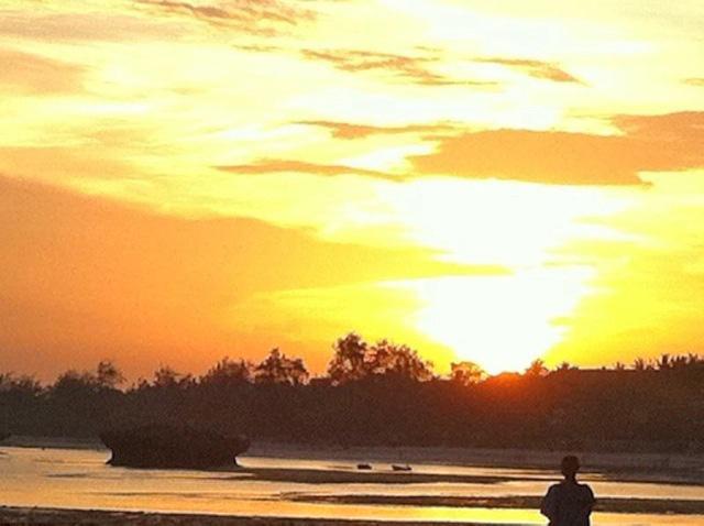 Gia-sunset.jpg